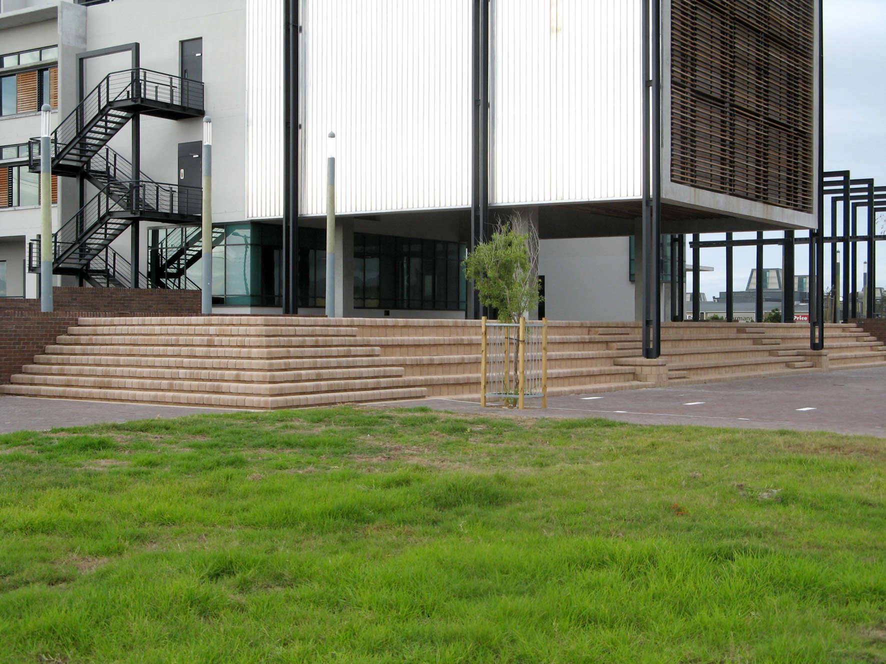 National and Regional Award won by Klapmuts Concrete and Dassenberg retaining