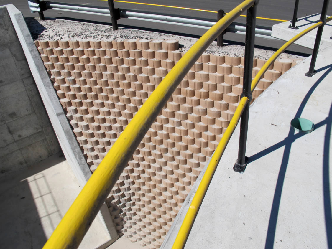 Closed face block system prevents sand from leeching through blocks.