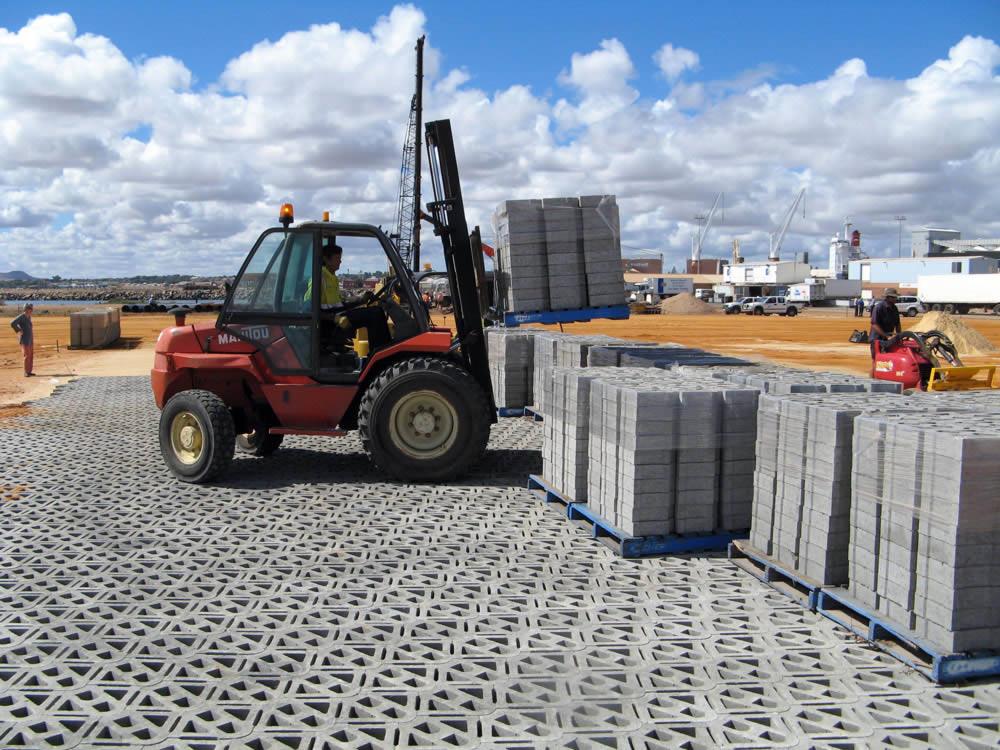 BarChip fibres also improve concrete ductility, toughness, crack control, fire resistance and long term durability.