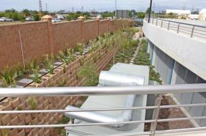 Retaining cut slopes for underground parking