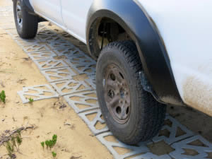 Interlocking eco-surface paver
