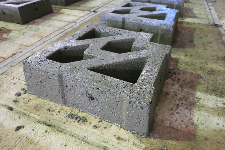 Feshly demoulded block with 10mm holes