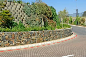 Closed face retaining walls