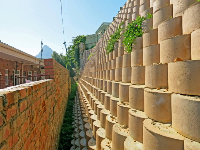 Terraforce retaining wall in a tight spot