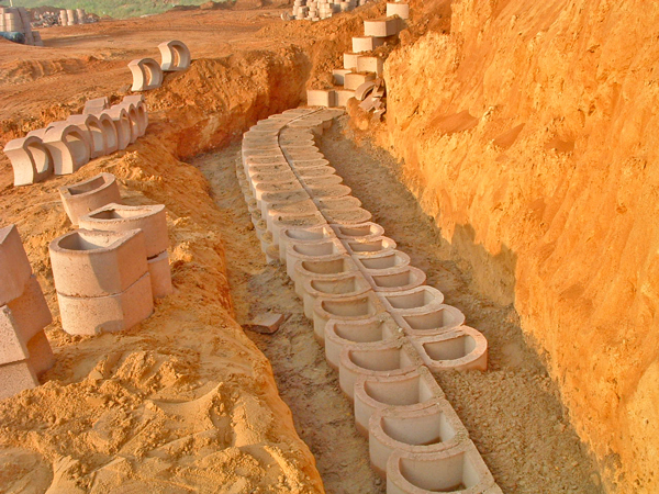 The first 9 double layers of blocks were filled with mass concrete