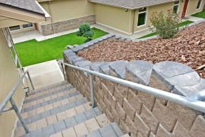 Terracotta and charcoal 4x4 Multi Step Blocks
