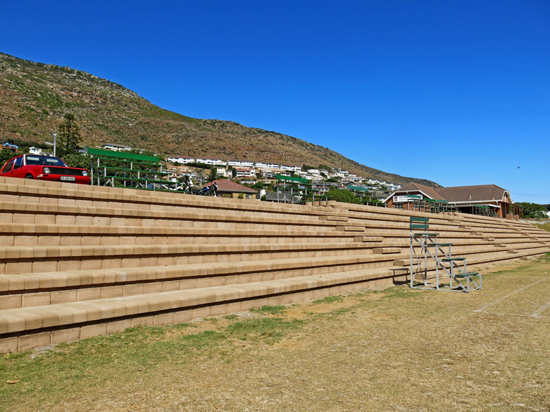 4x4 Step block seating for a 1000 students
