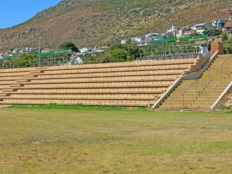 The Terraforce 4 x 4 multi seating system, a combination of an accessory stair/seating block and any standard Terraforce retaining block, has become popular in South Africa and other parts of the world, and is used successfully at recreational or educational facilities.