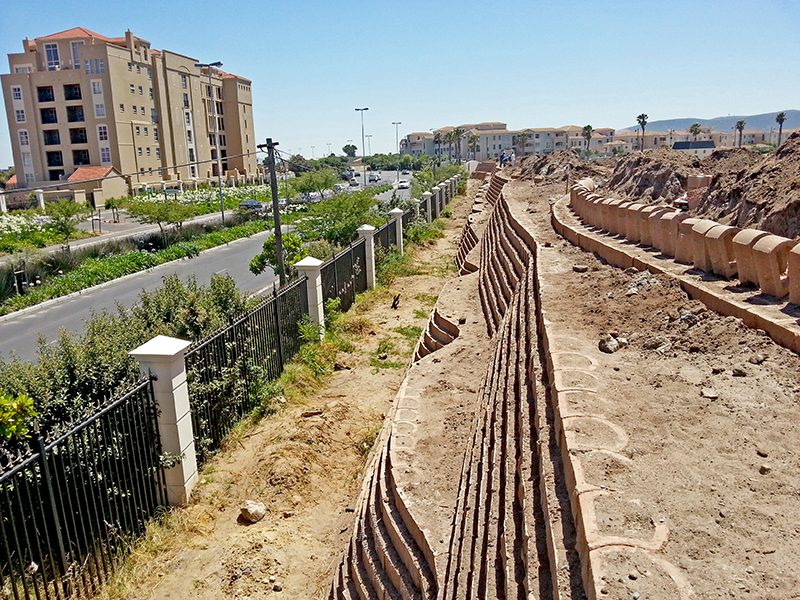 Terraforce noise barrier extension for the new Rabie Property, Palm Royale Century City