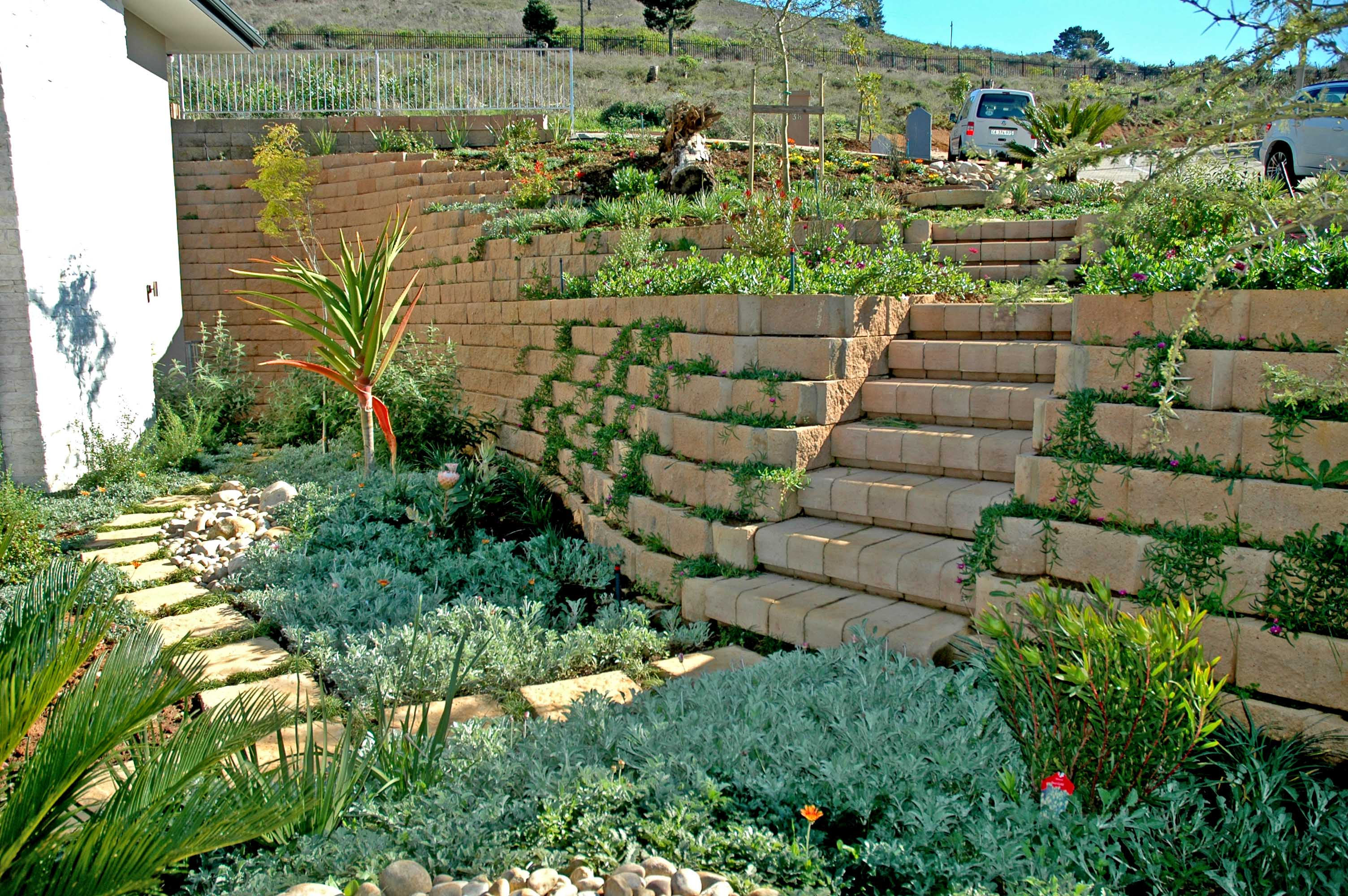 Beautifully landscaped Terraforce garden wall