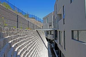 Beautiful terraced Terraforce wall, Infinity. Installer Dassenberg Retaining Systems