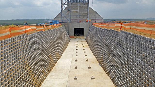 6/2018 – Shondoni Mine conveyor box cut retaining walls
