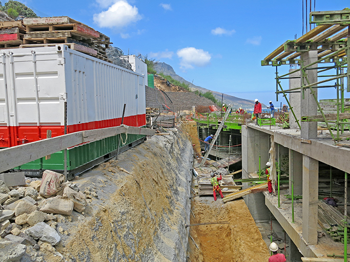 All the walls were built by Dassenberg Retaining using L12 retaining wall blocks supplied by CMA member, Terraforce
