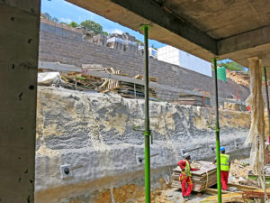 Two of the three main rear concrete block walls were provided with 300kN tie-back anchorages and concrete waler beams.