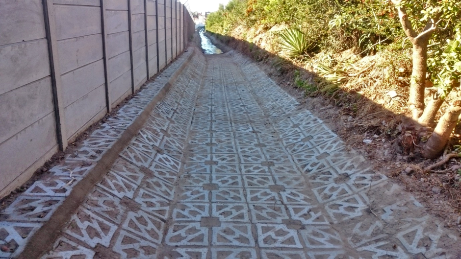 Stormwater channel lining with Terracrete, Fonteine Park, Mossel Bay