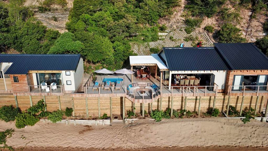 The retaining wall design in consultation with engineers and environmentalists created an excellent solution, whilst also establishing a building footprint big enough for a medium size house. The outcome was only possible thanks to the sustainability of the dune using the Terraforce block.